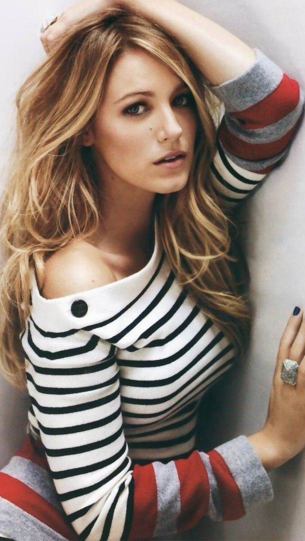 Wallpaper Actress Blake Lively Vertical