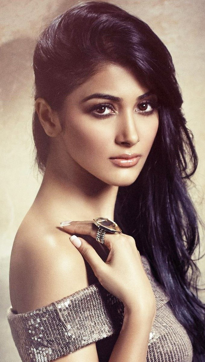 Wallpaper Bollywood actress Pooja Hegde Vertical