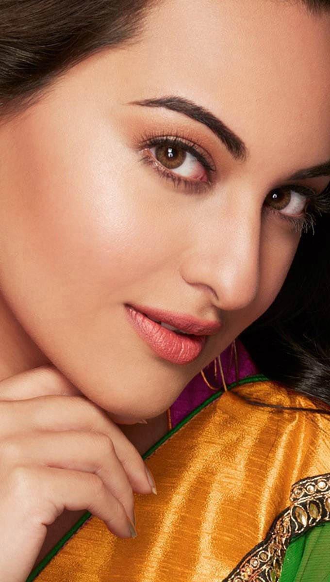 Wallpaper Actress Sonakshi Sinha Vertical