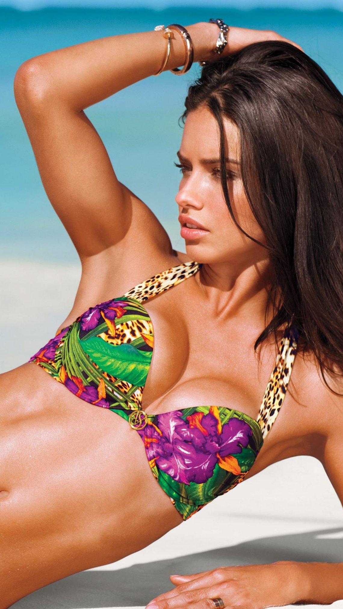 Wallpaper Adriana Lima Bikini Vertical