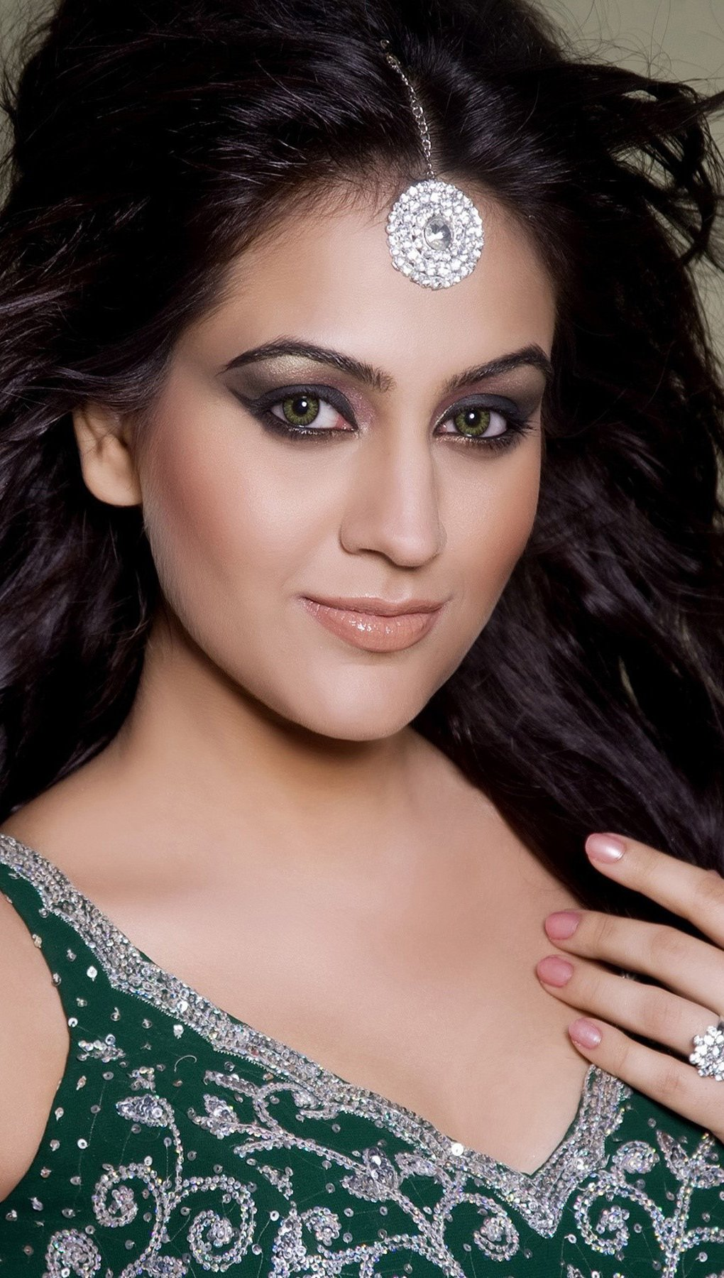 Wallpaper Aksha Pardasany Vertical