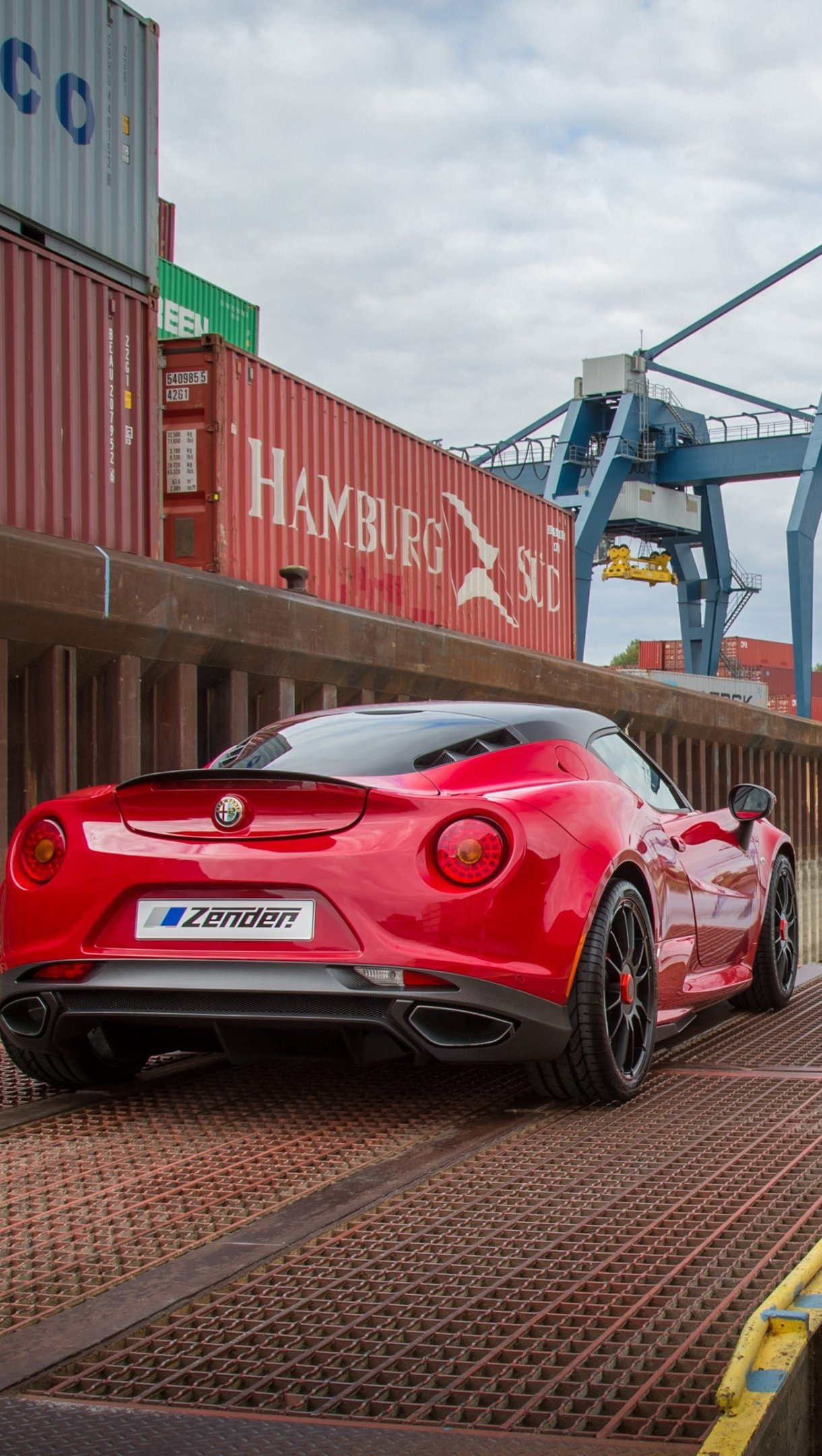 Wallpaper Alfa Romeo 4C Zender red Vertical