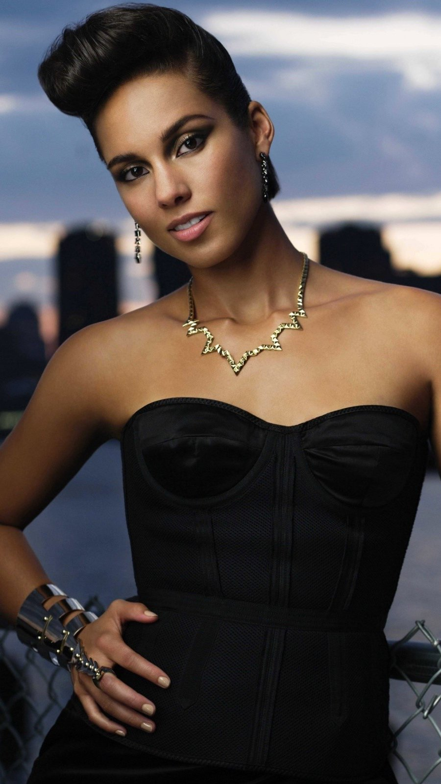 Wallpaper Alicia Keys in New York Vertical