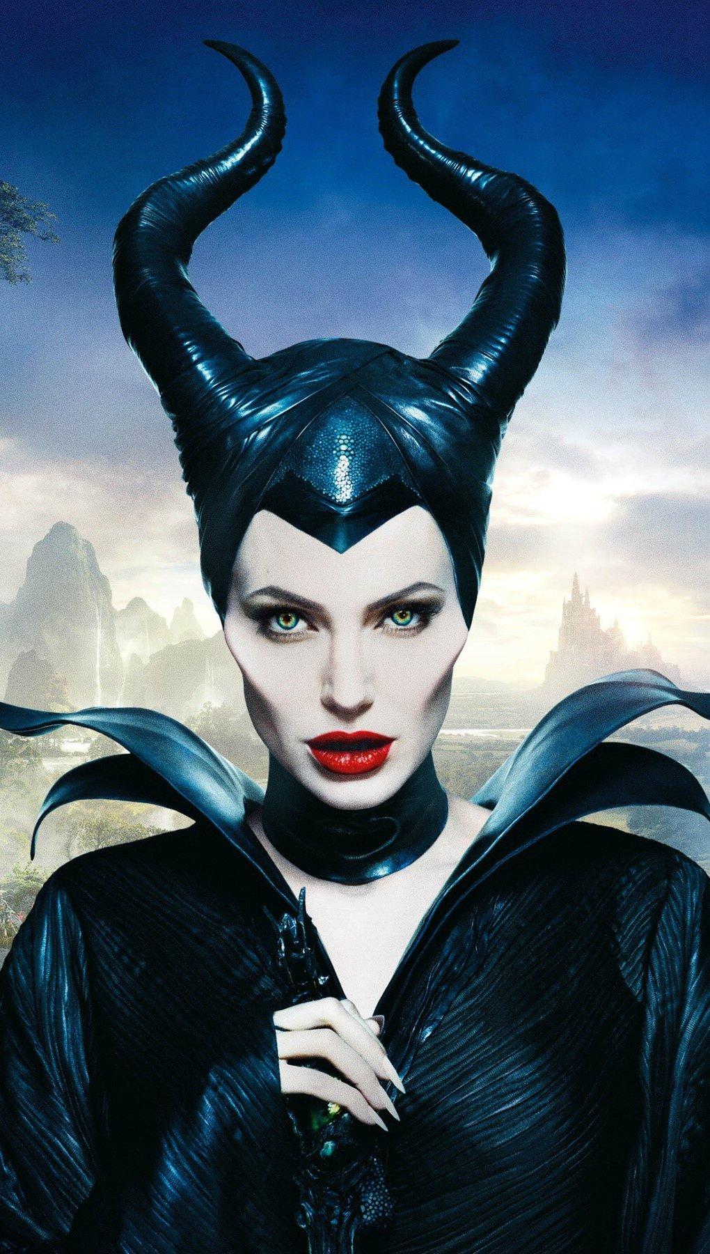 Wallpaper Angelina Jolie in Malefica Vertical