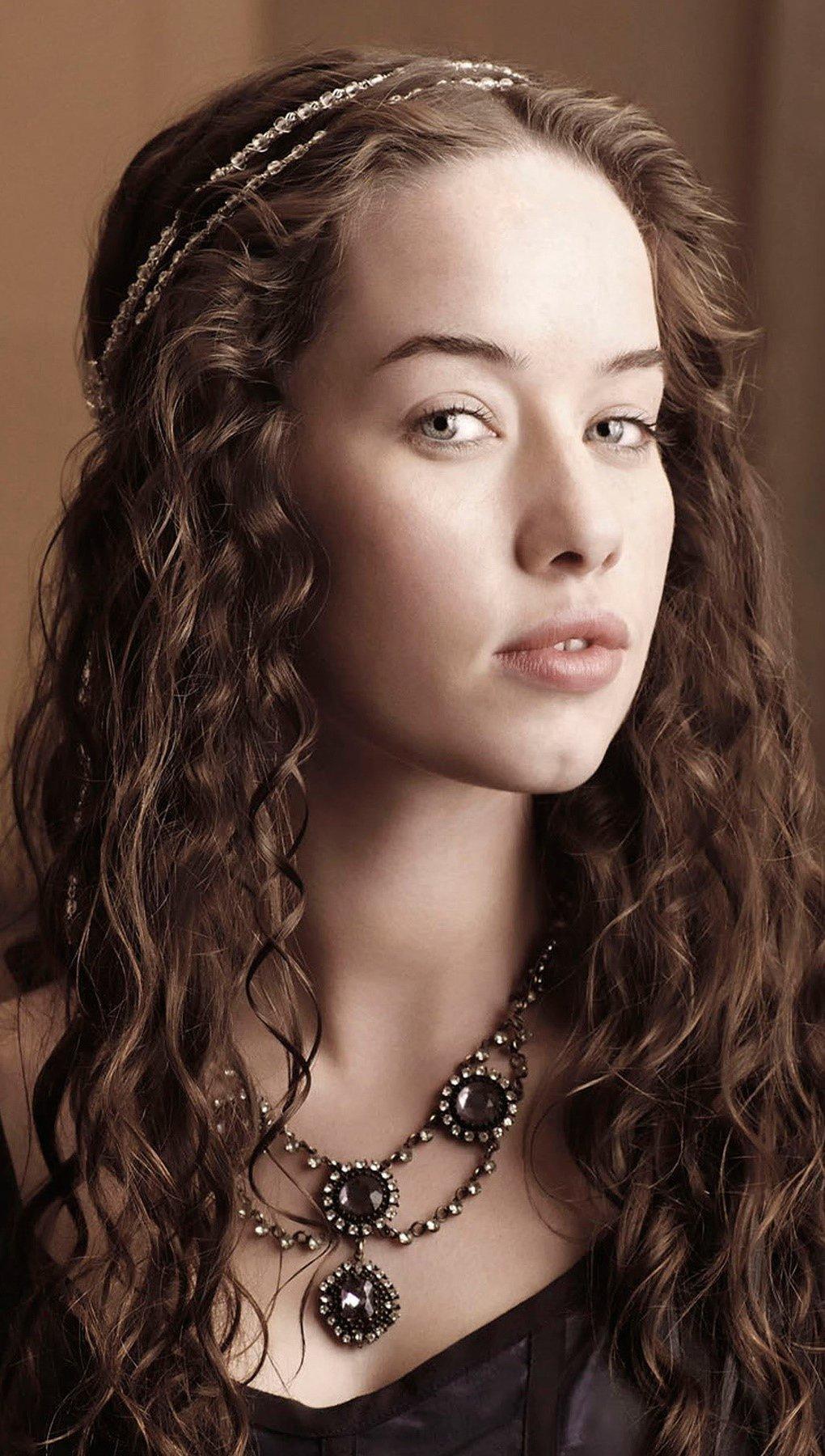 Fondos de pantalla Anna Popplewell como Lola Vertical