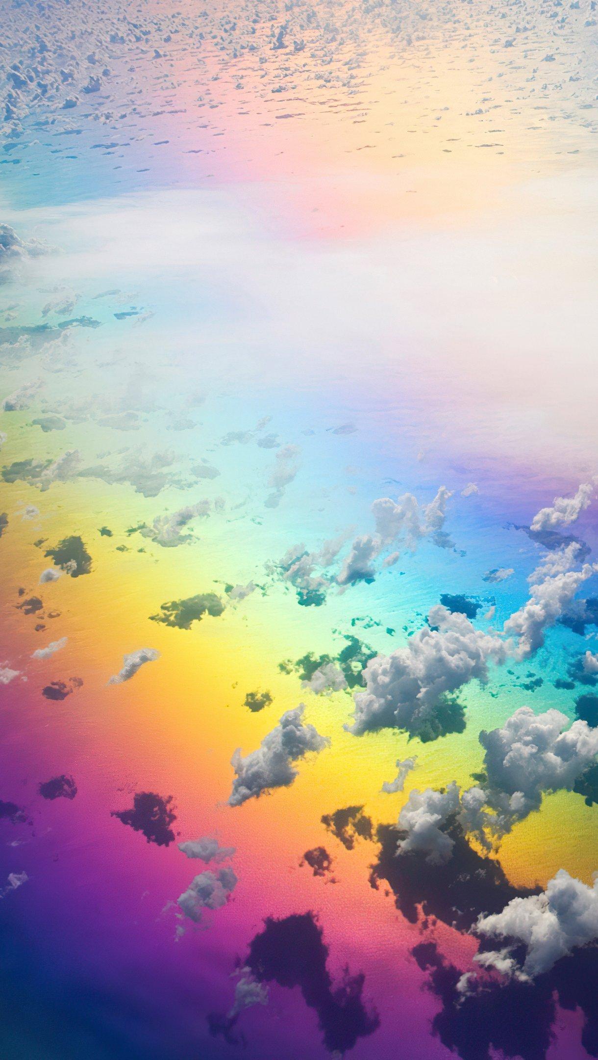 Fondos de pantalla Arcoiris en las nubes Vertical