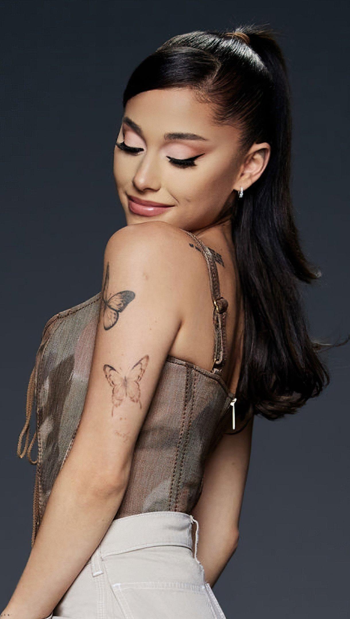 Fondos de pantalla Ariana Grande The voice Temporada 21 Vertical