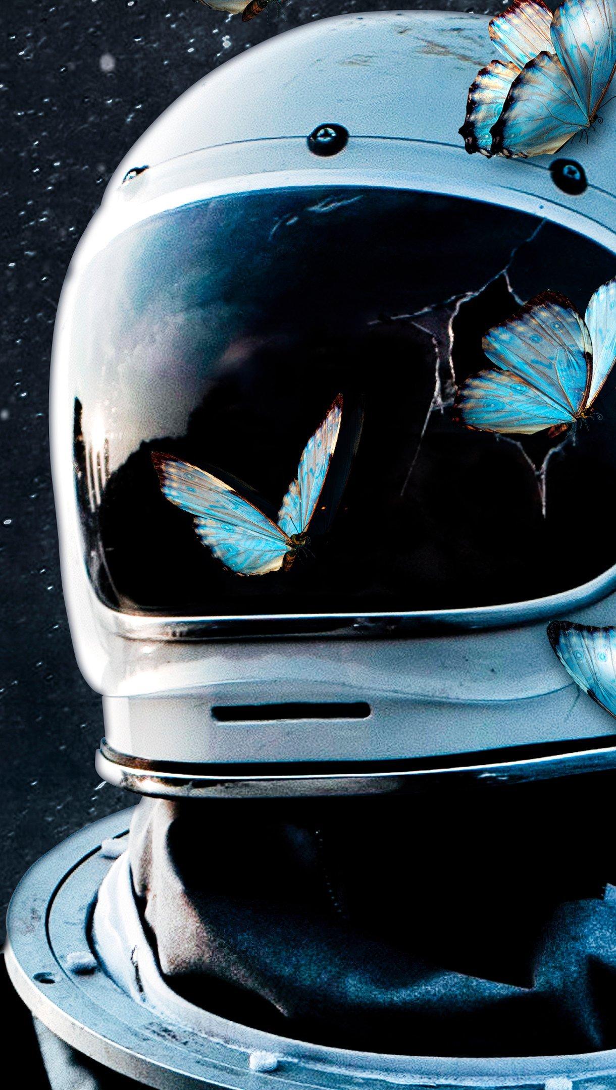 Wallpaper Astronaut with butterflies Vertical