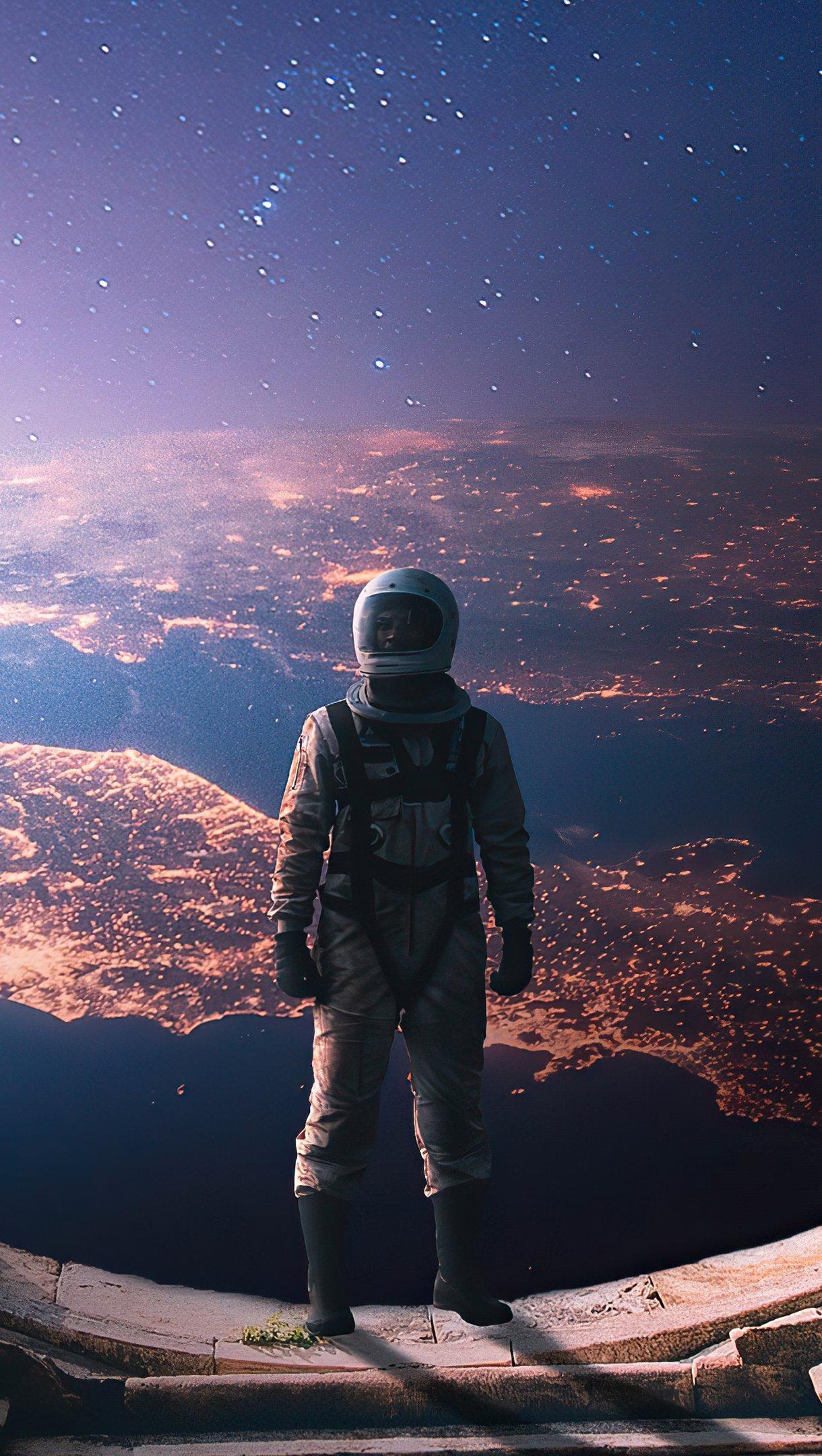 Wallpaper Interstellar Astronaut Vertical