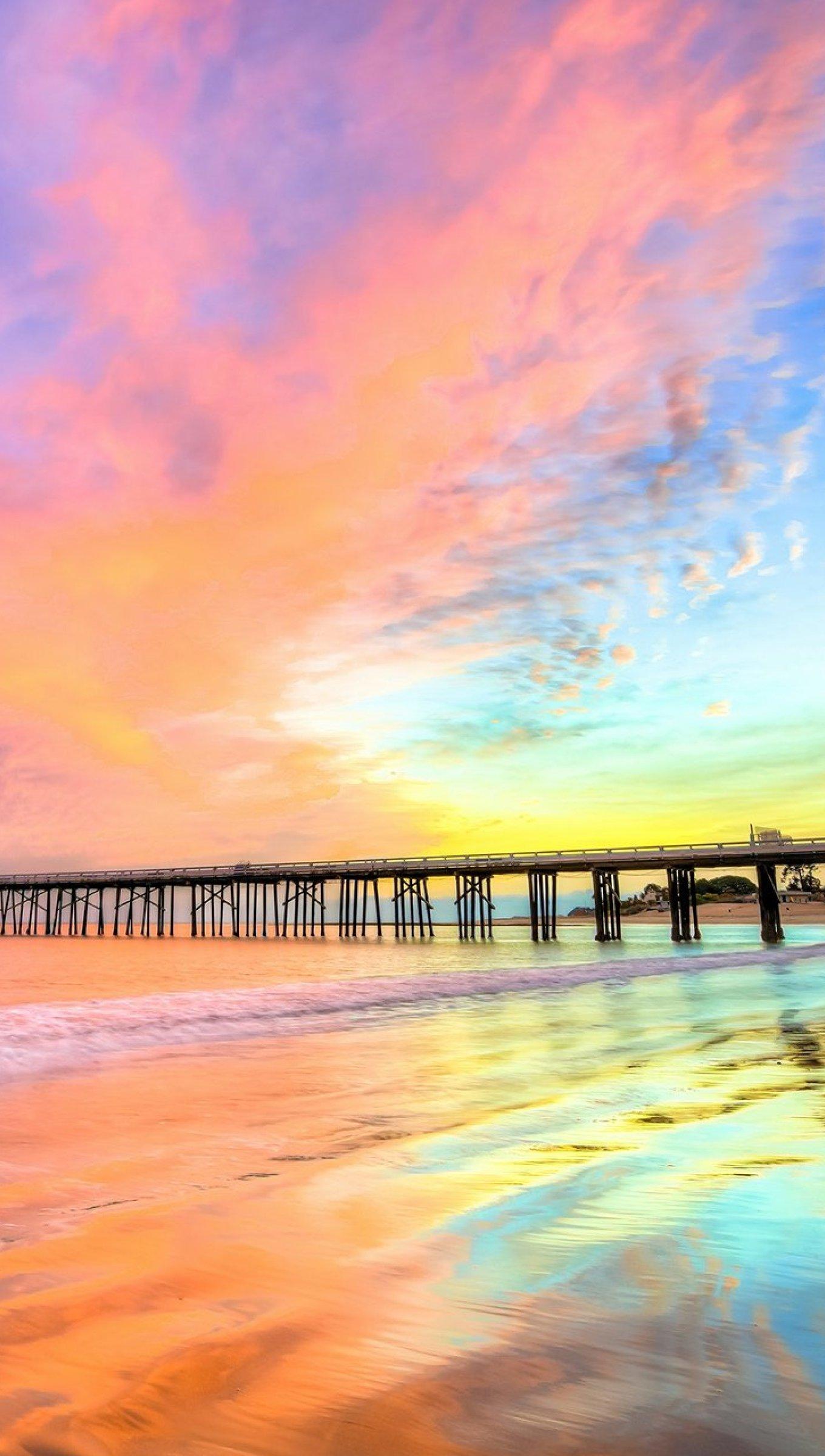 Wallpaper Sunset at pier in California's Beach Vertical