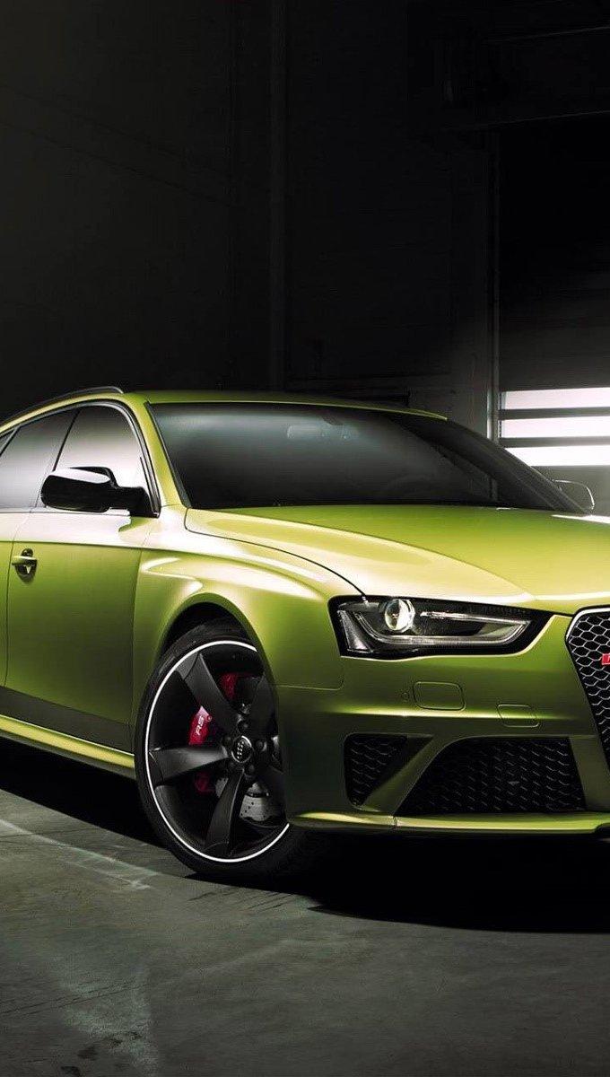 Wallpaper Audi RS4 Avant Vertical