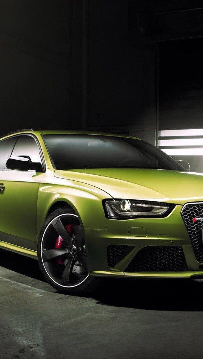 Wallpaper Audi RS4 Avant Green Vertical