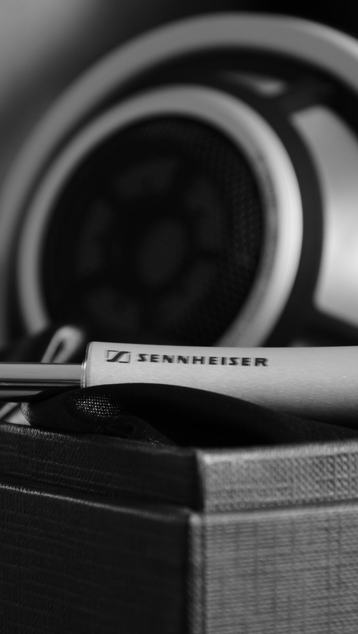 Wallpaper Sennheiser headphones Vertical