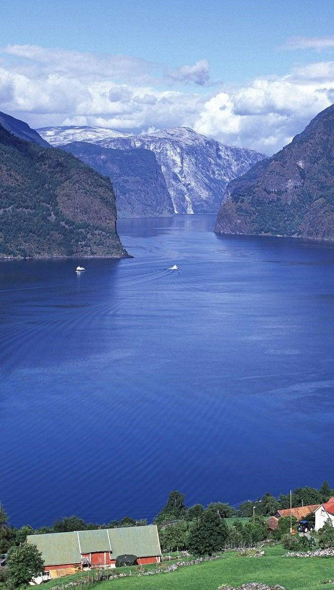 Fondos de pantalla Aurlandsfjord en Noruega Vertical