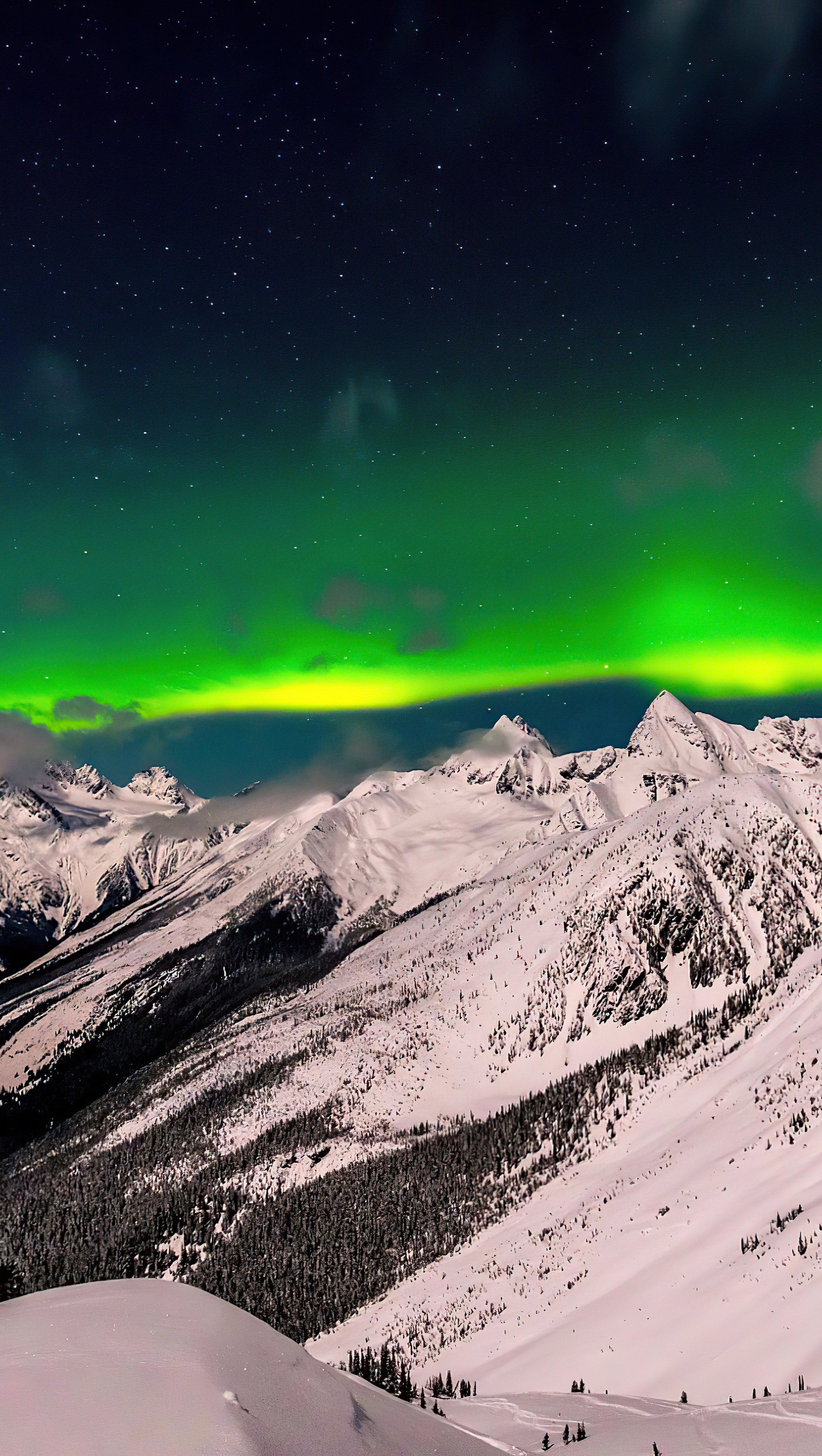 Fondos de pantalla Aurora Polar en Columbia Británica Vertical