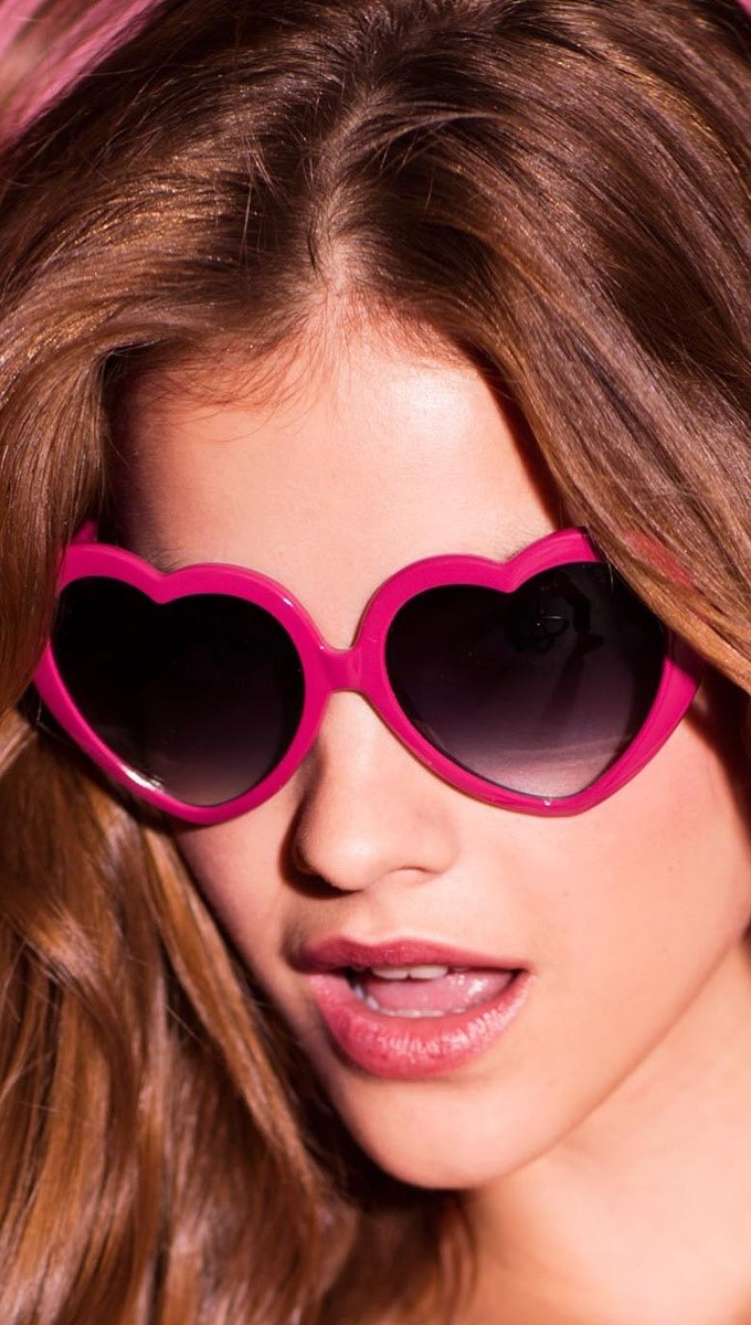 Wallpaper Barbara Palvin with sunglasses Vertical