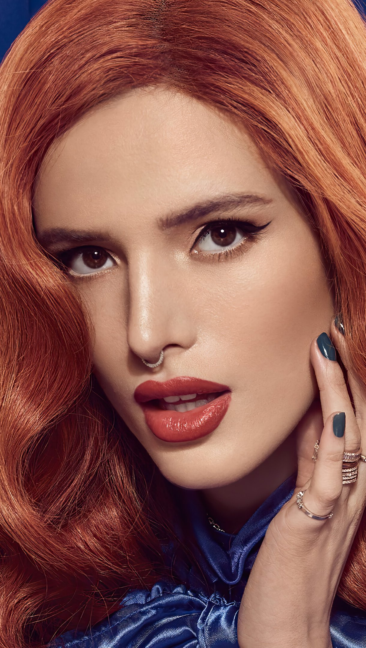 Wallpaper Bella Thorne 2020 Vertical