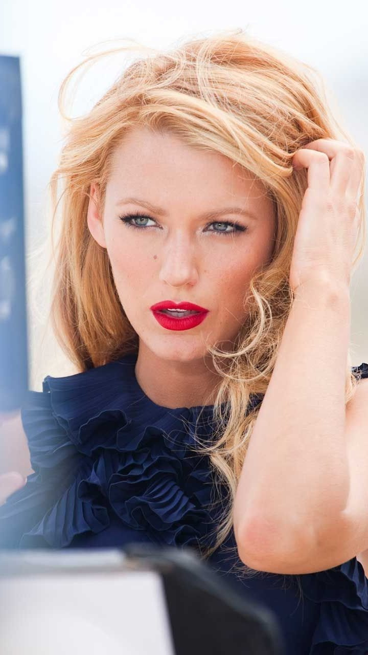 Wallpaper Blake Lively with red lips Vertical