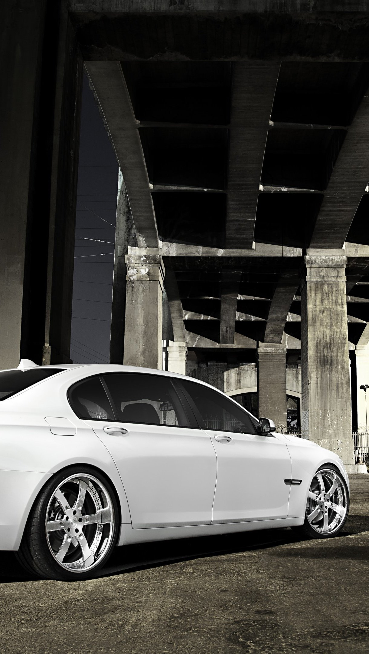 Wallpaper BMW 7 750LI white Vertical