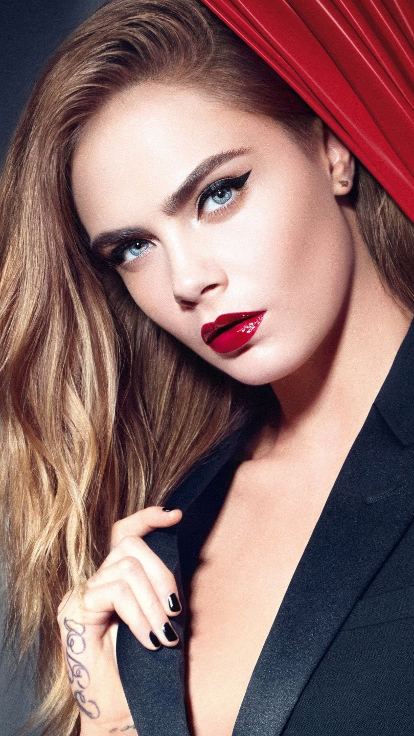 Wallpaper Cara Delevingne formal Vertical