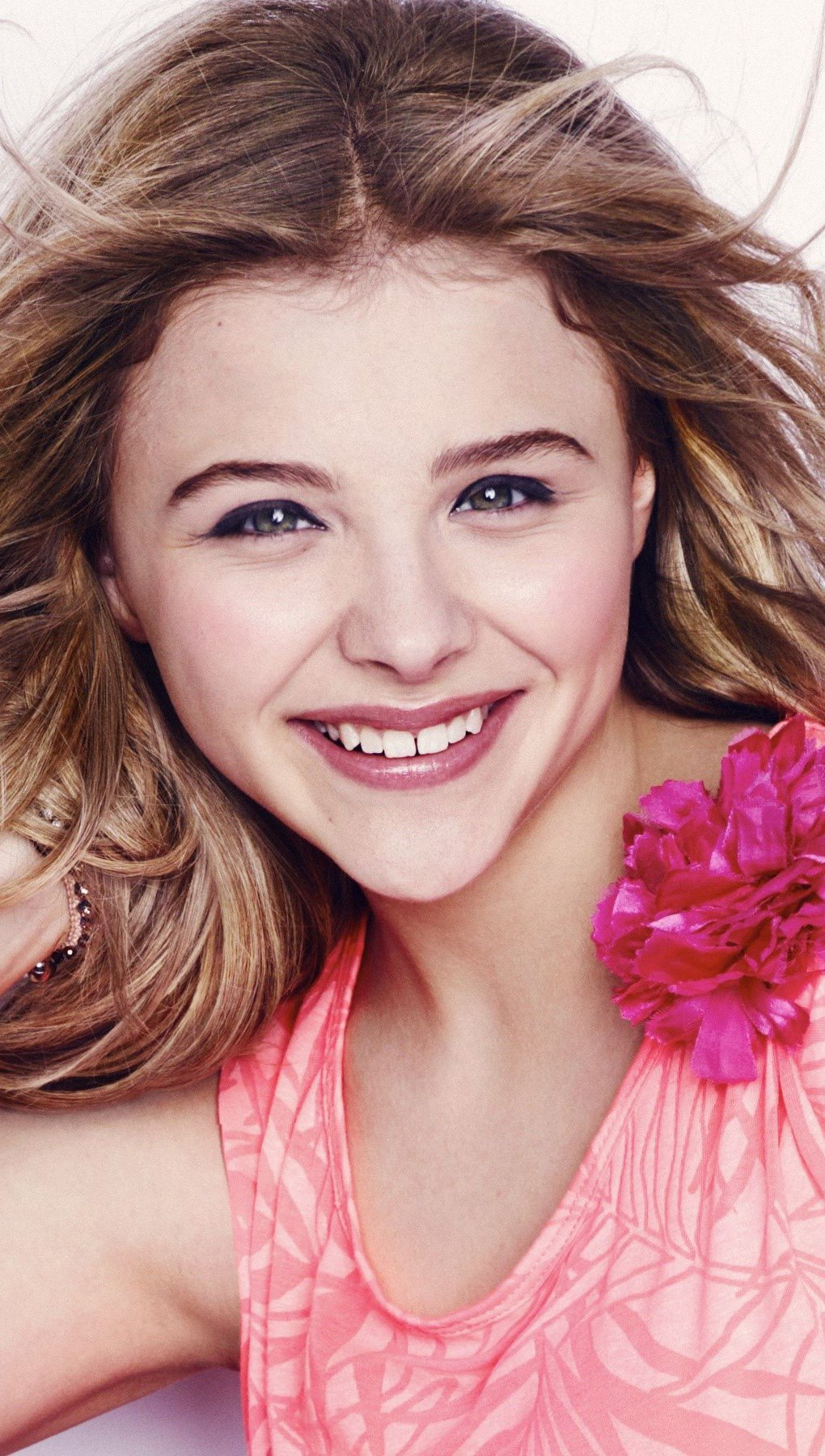 Wallpaper Chloe Moretz for Seventeen Vertical