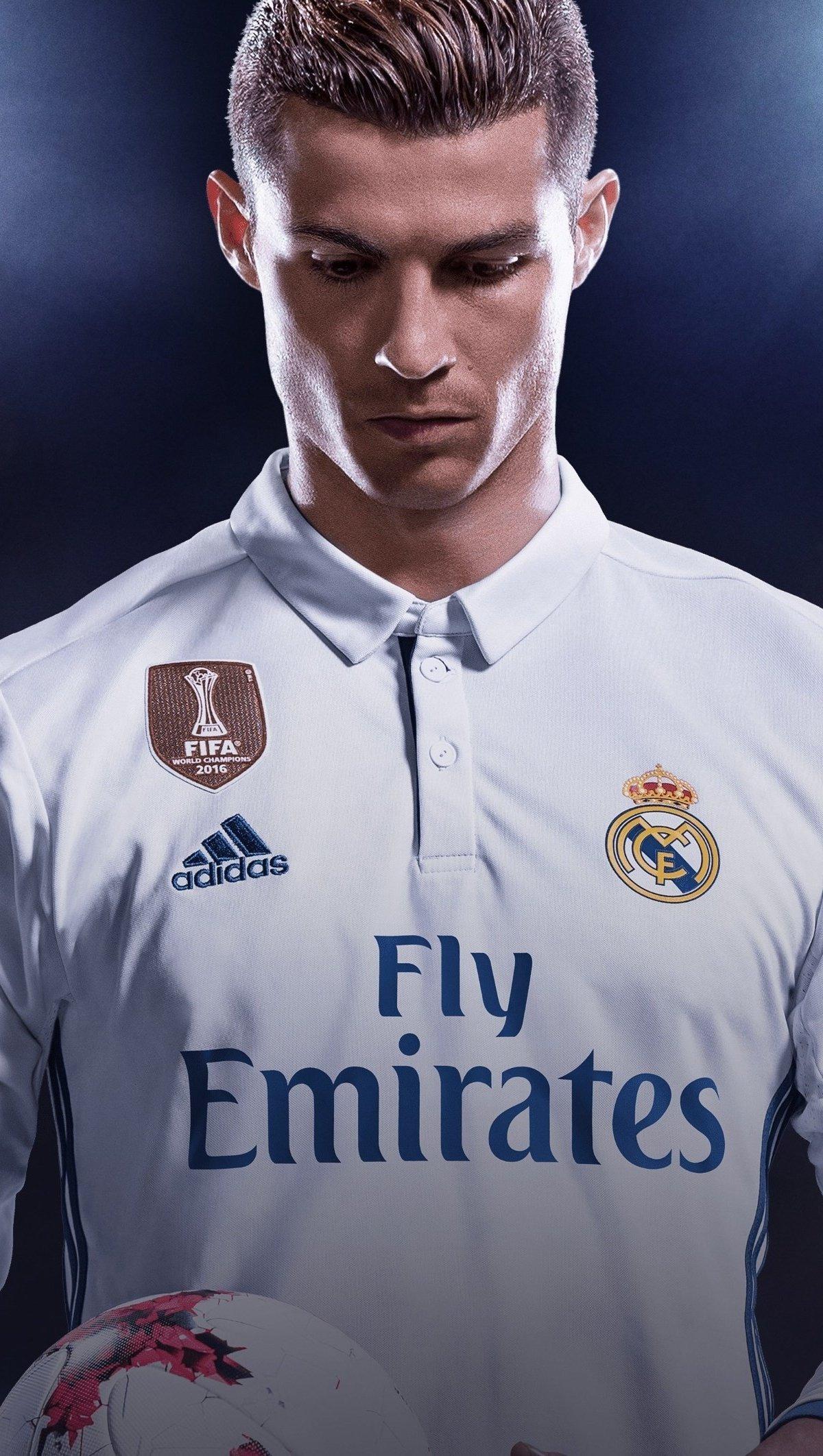 Fondos de pantalla Cristiano Ronaldo CR7 - Real Madrid Portada juego FIFA 2018 Vertical