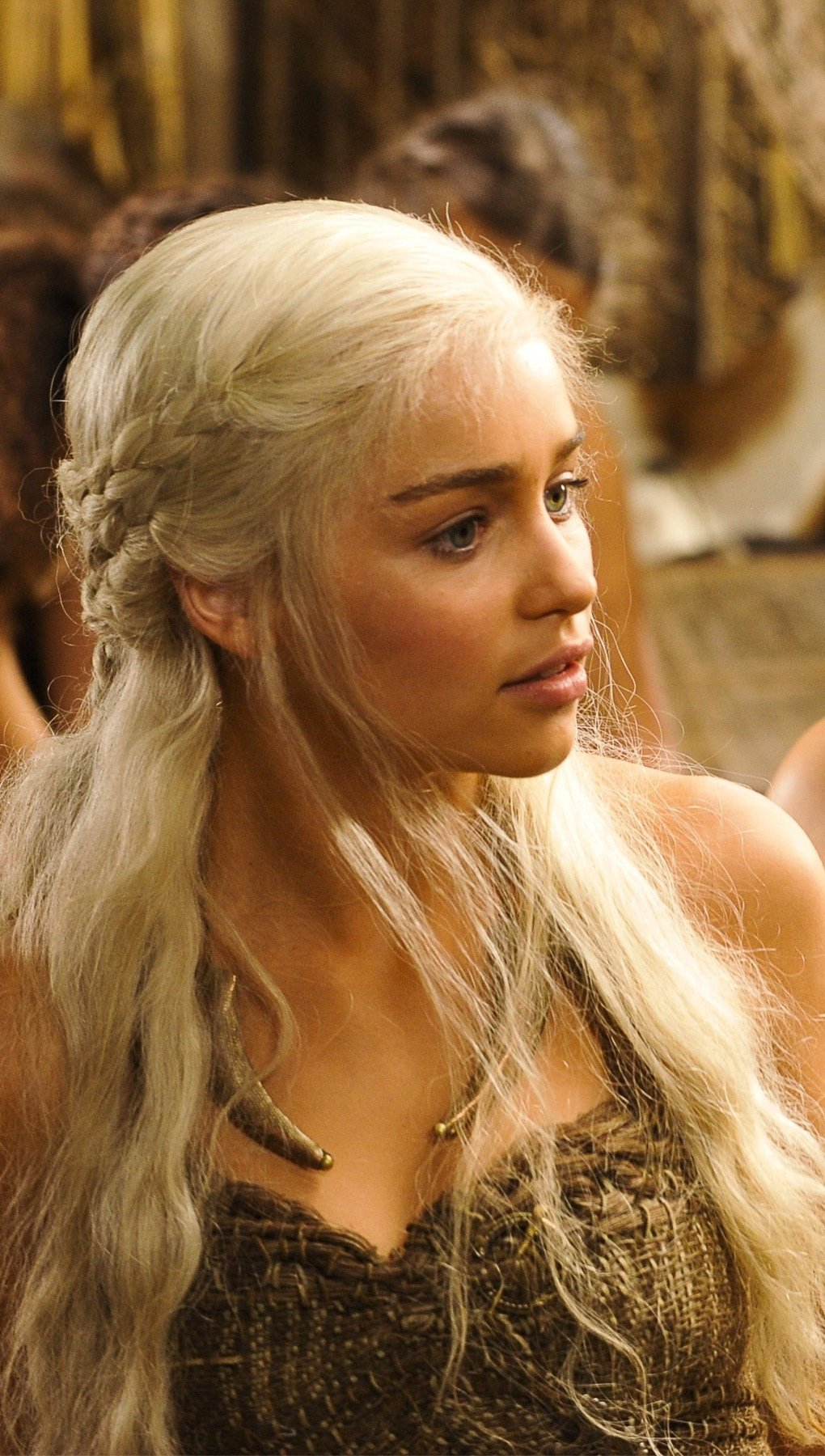 Wallpaper Daenerys targaryen in the first season Vertical
