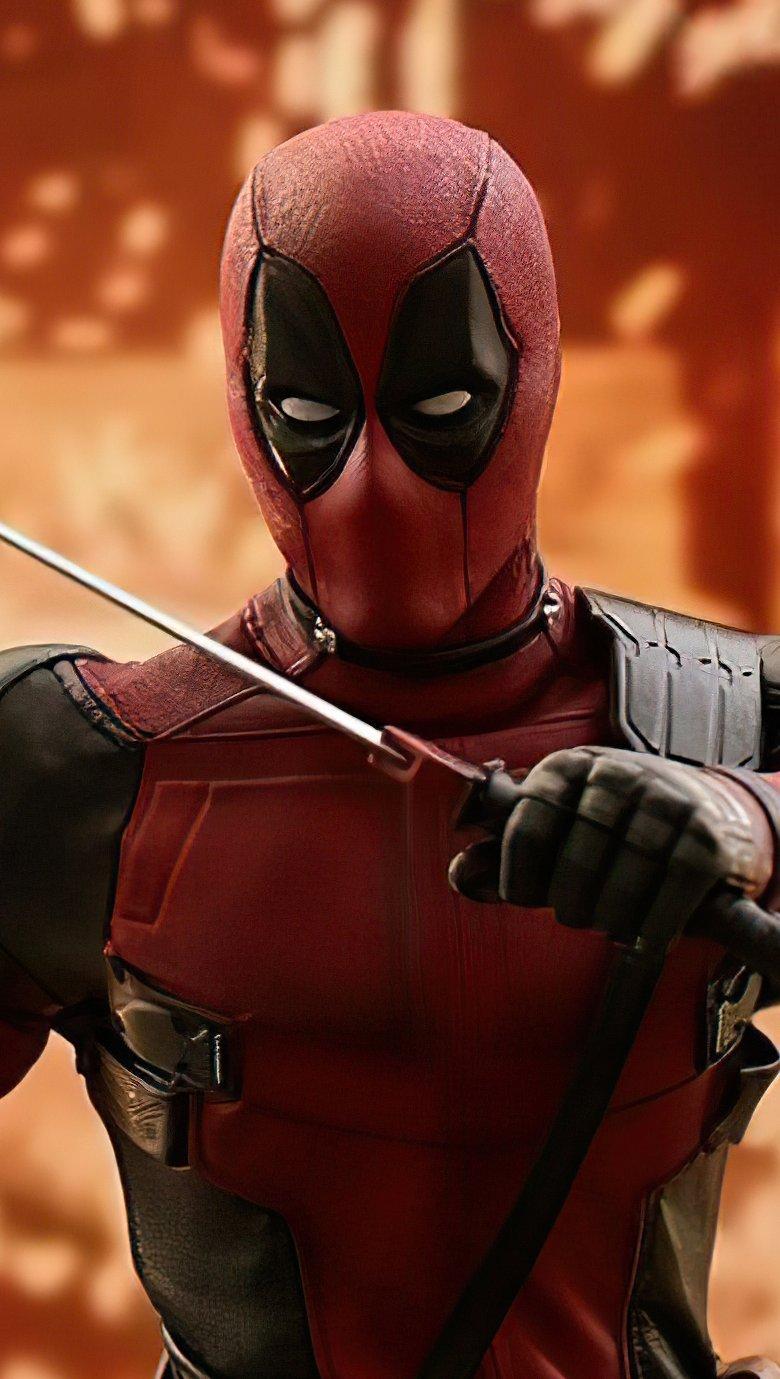 Fondos de pantalla Deadpool Hereo con espada Vertical
