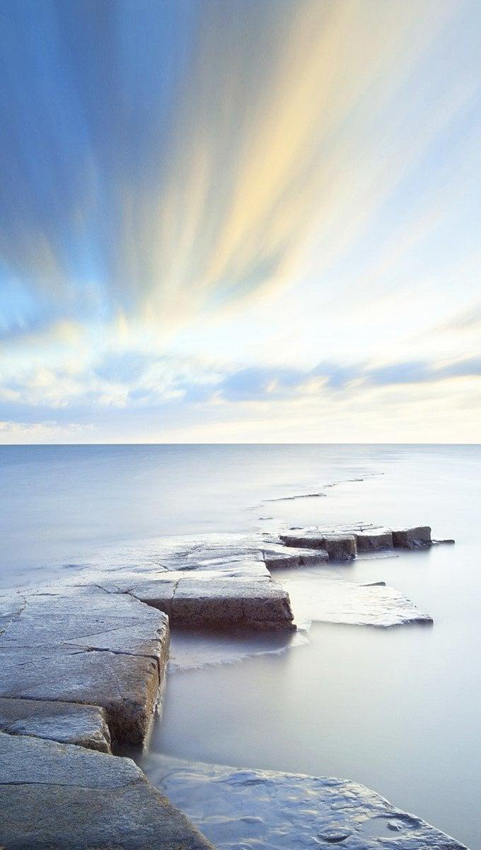 Fondos de pantalla El horizonte en un lago Vertical