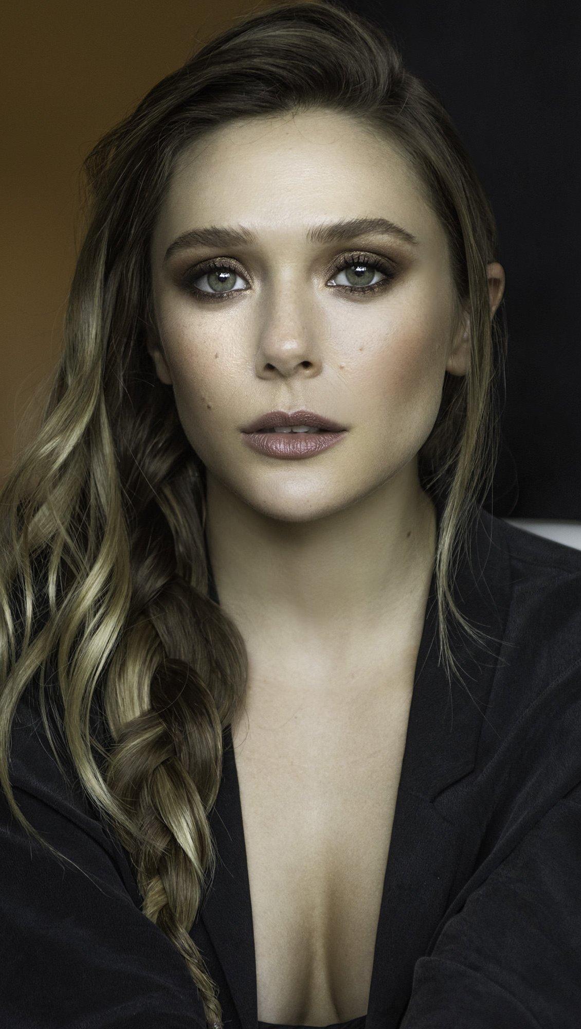 Fondos de pantalla Elizabeth Olsen Vertical