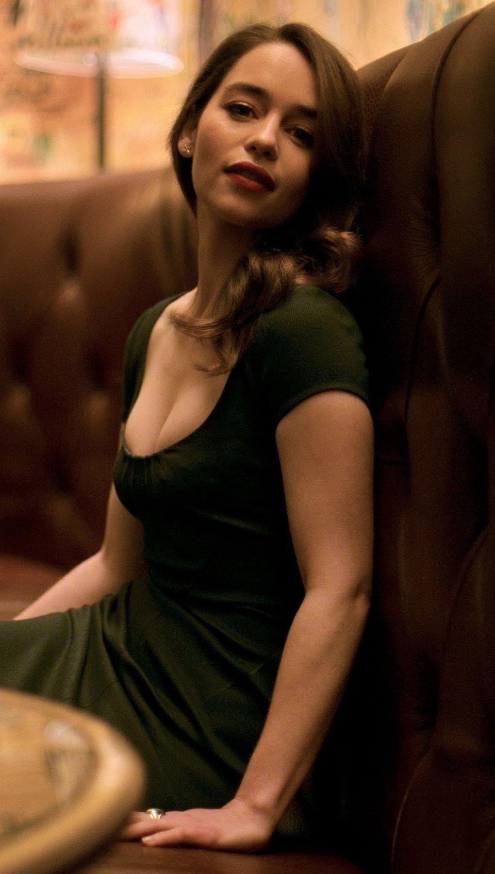 Wallpaper Emilia Clarke 2014 Vertical