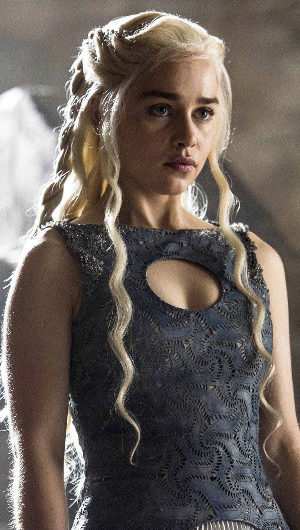 Fondos de pantalla Emilia Clarke como Daenerys Targaryen Vertical