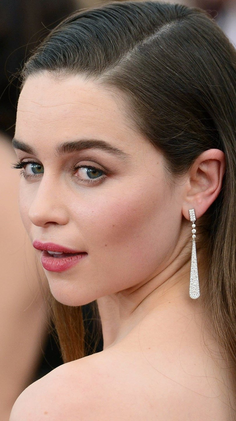 Wallpaper Emilia Clarke on red carpet Vertical