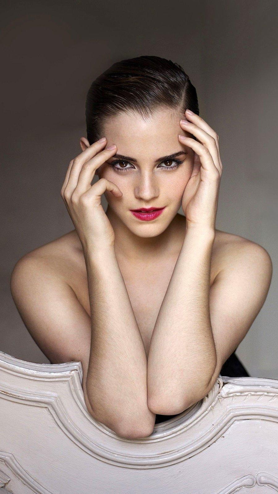 Wallpaper Emma Watson with makeup Vertical