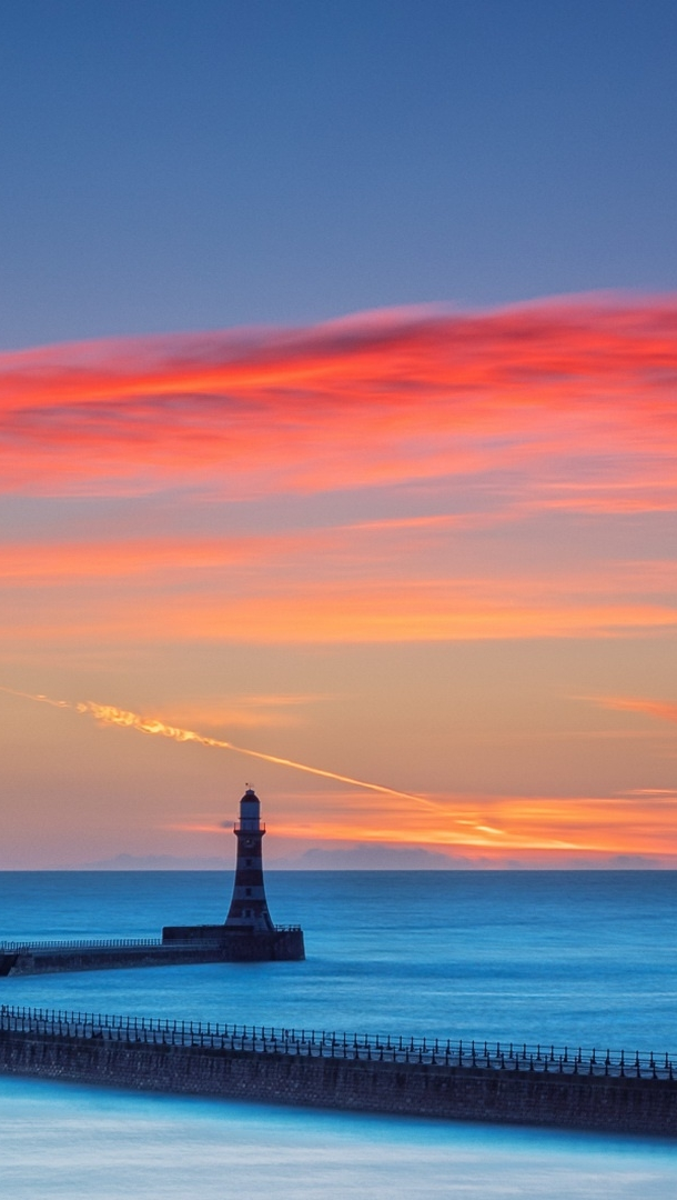 Wallpaper Lighthouse with sky at sunset Vertical