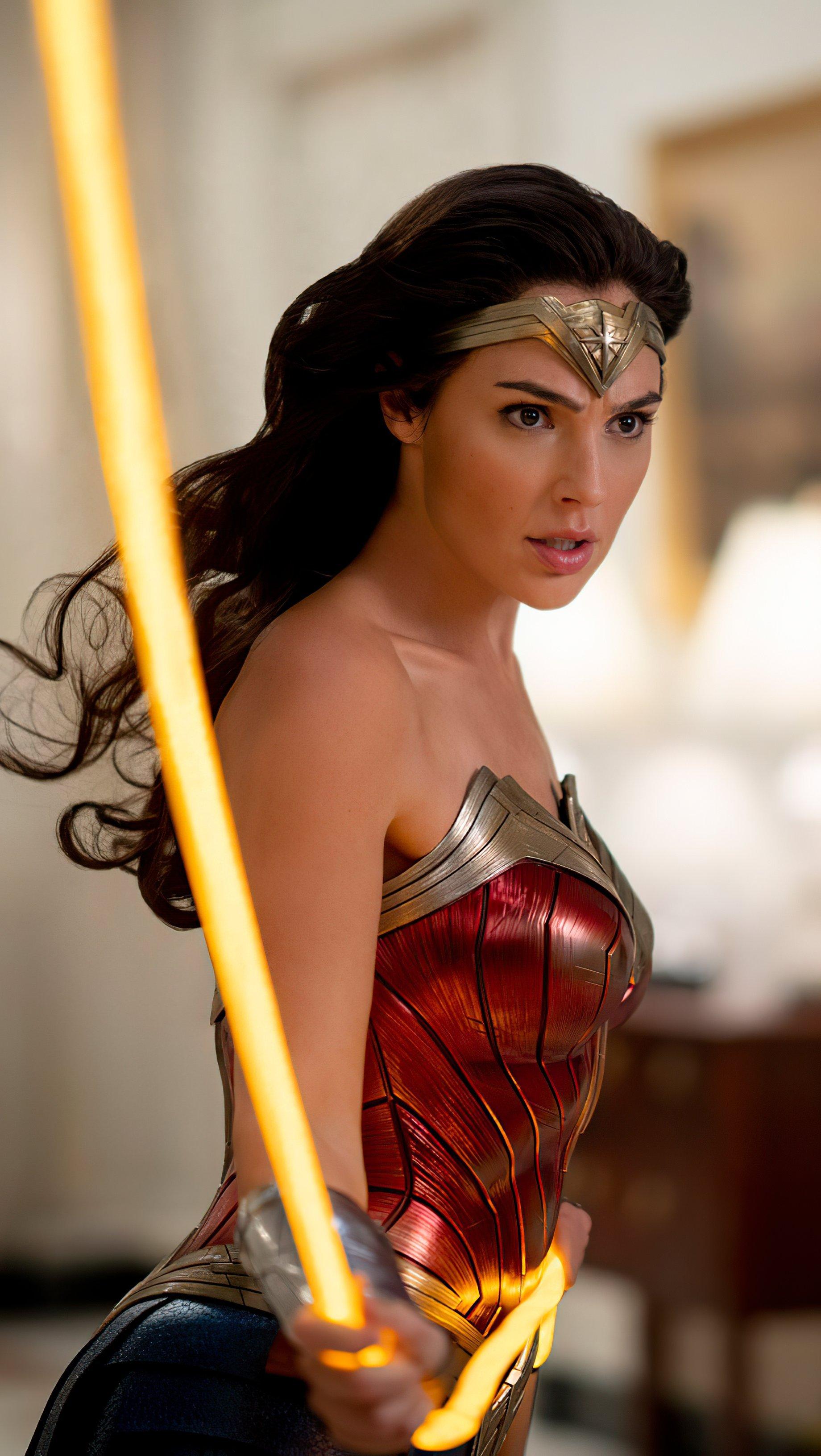 Wallpaper Gal Gadot in Wonder Woman 1964 Vertical