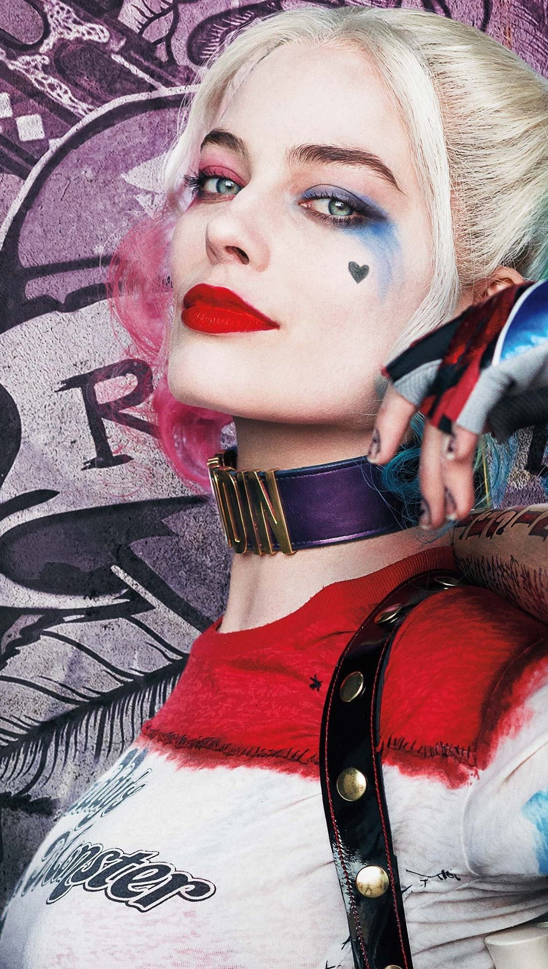 Wallpaper Harley Quinn is Margot Robbie in Suicide Squad Vertical