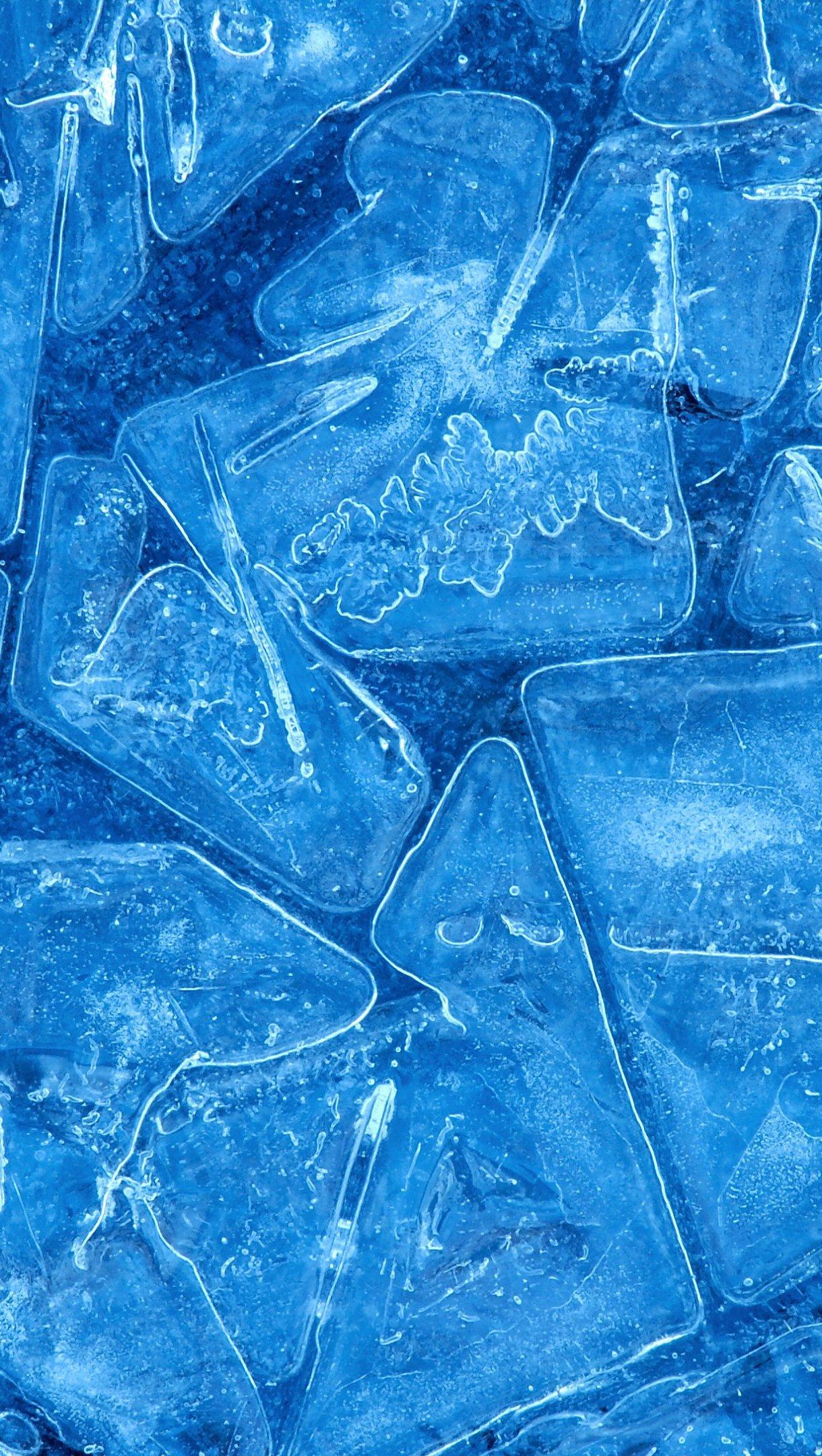 Wallpaper Blue ice Vertical