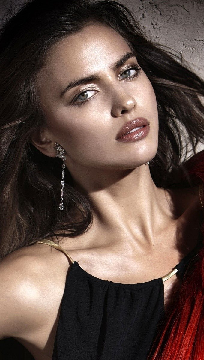 Wallpaper Irina Shayk Vertical