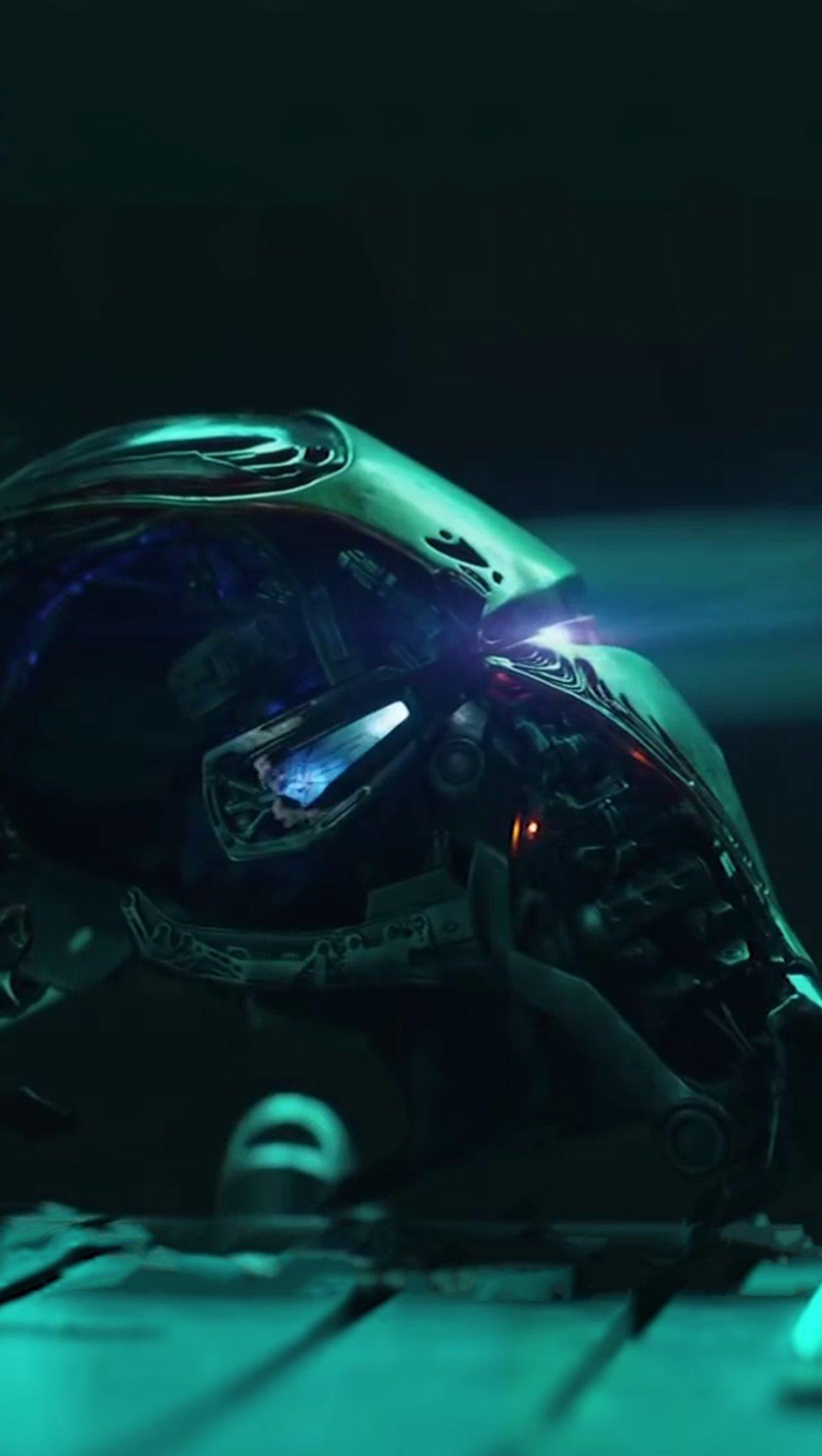 Wallpaper Iron Man Endgame Vertical