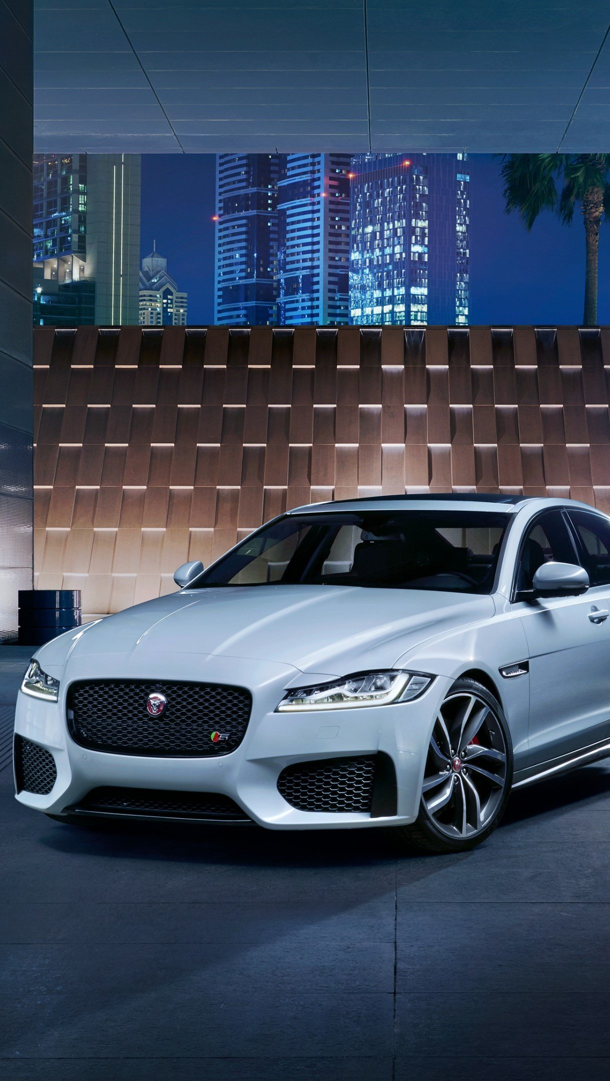 Wallpaper Jaguar XF S AWD white Vertical