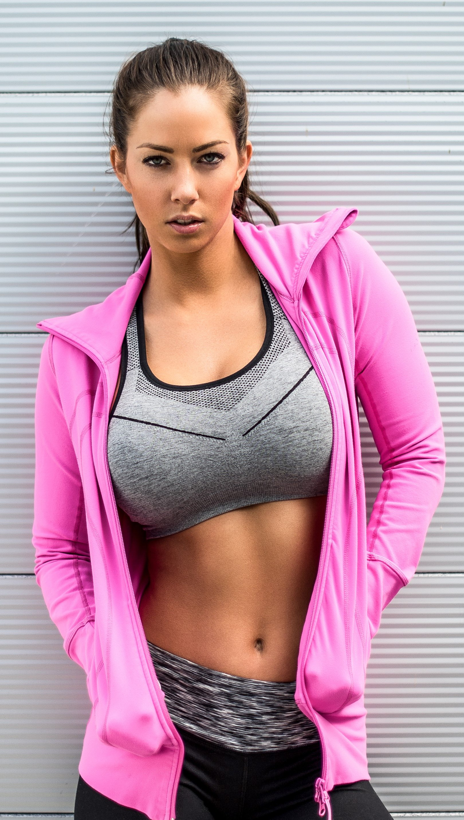 Wallpaper Janna Breslin Fitness Vertical