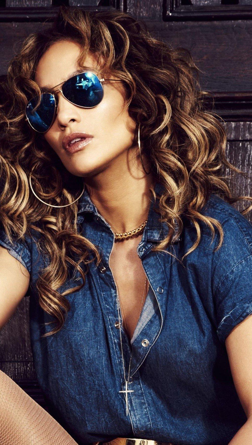 Fondos de pantalla Jennifer Lopez con lentes Vertical