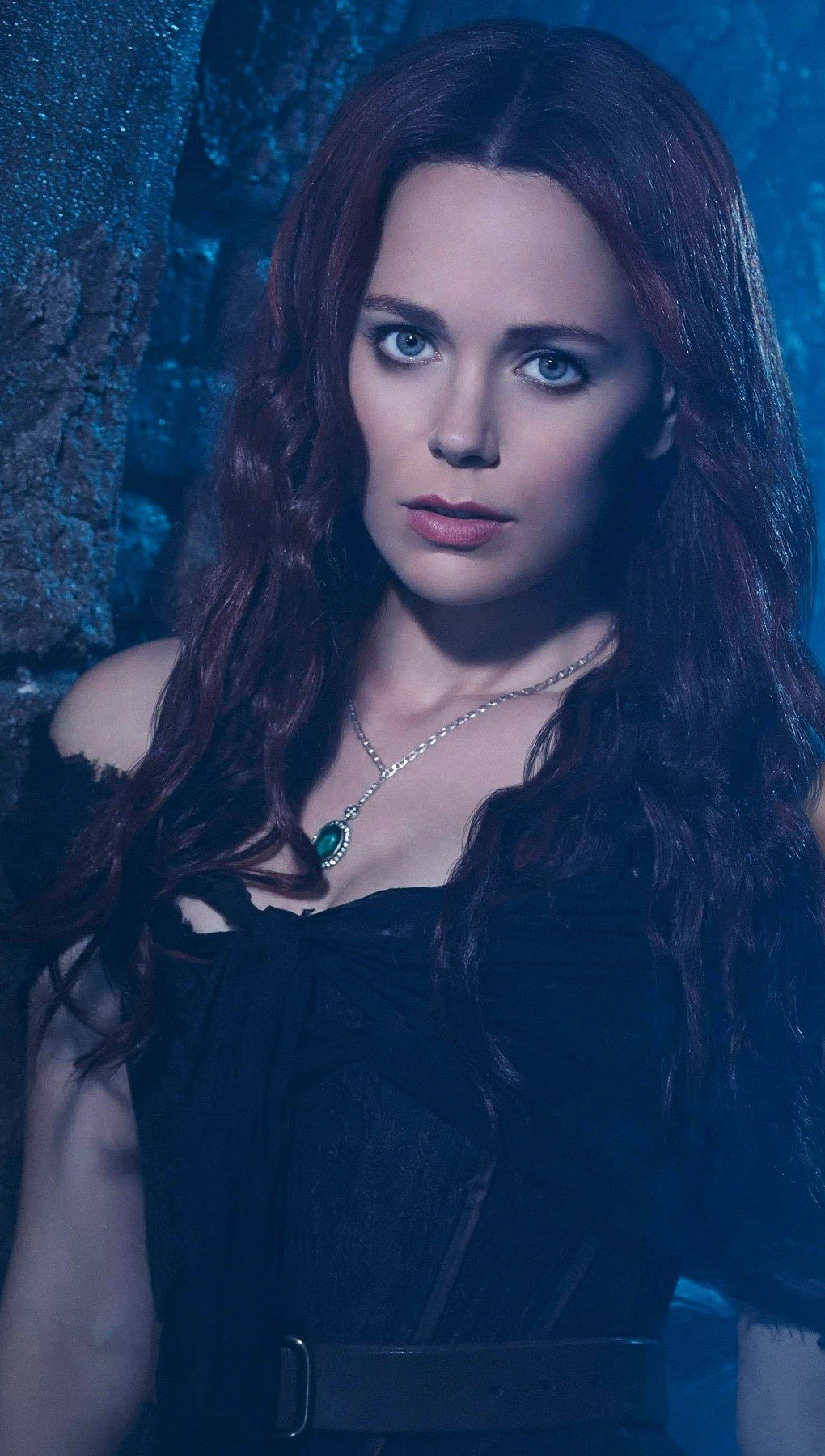 Wallpaper Katia Winter Vertical