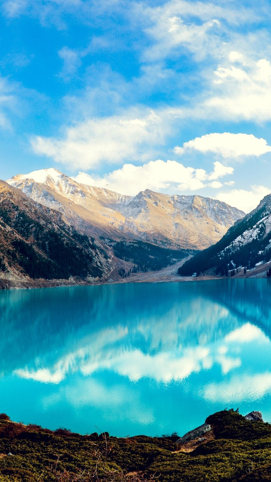 Wallpaper Big Almaty Lake Vertical