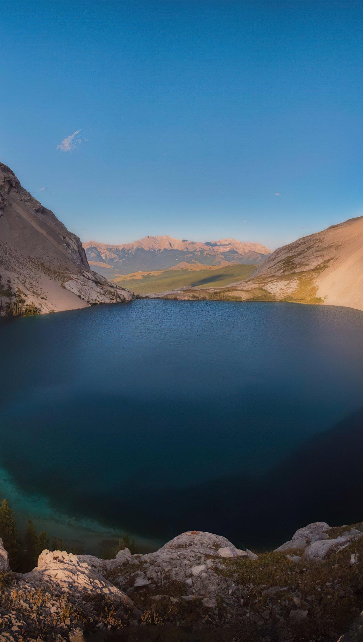 Fondos de pantalla Lago Carnavron en Kananaskis Alberta Vertical
