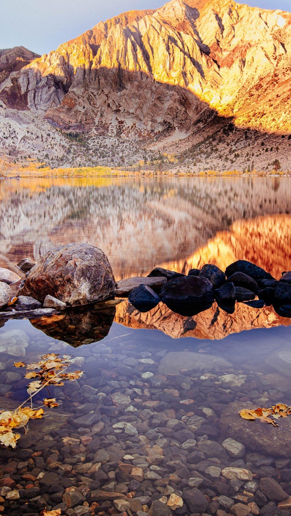 Fondos de pantalla Lago en el otoño Vertical