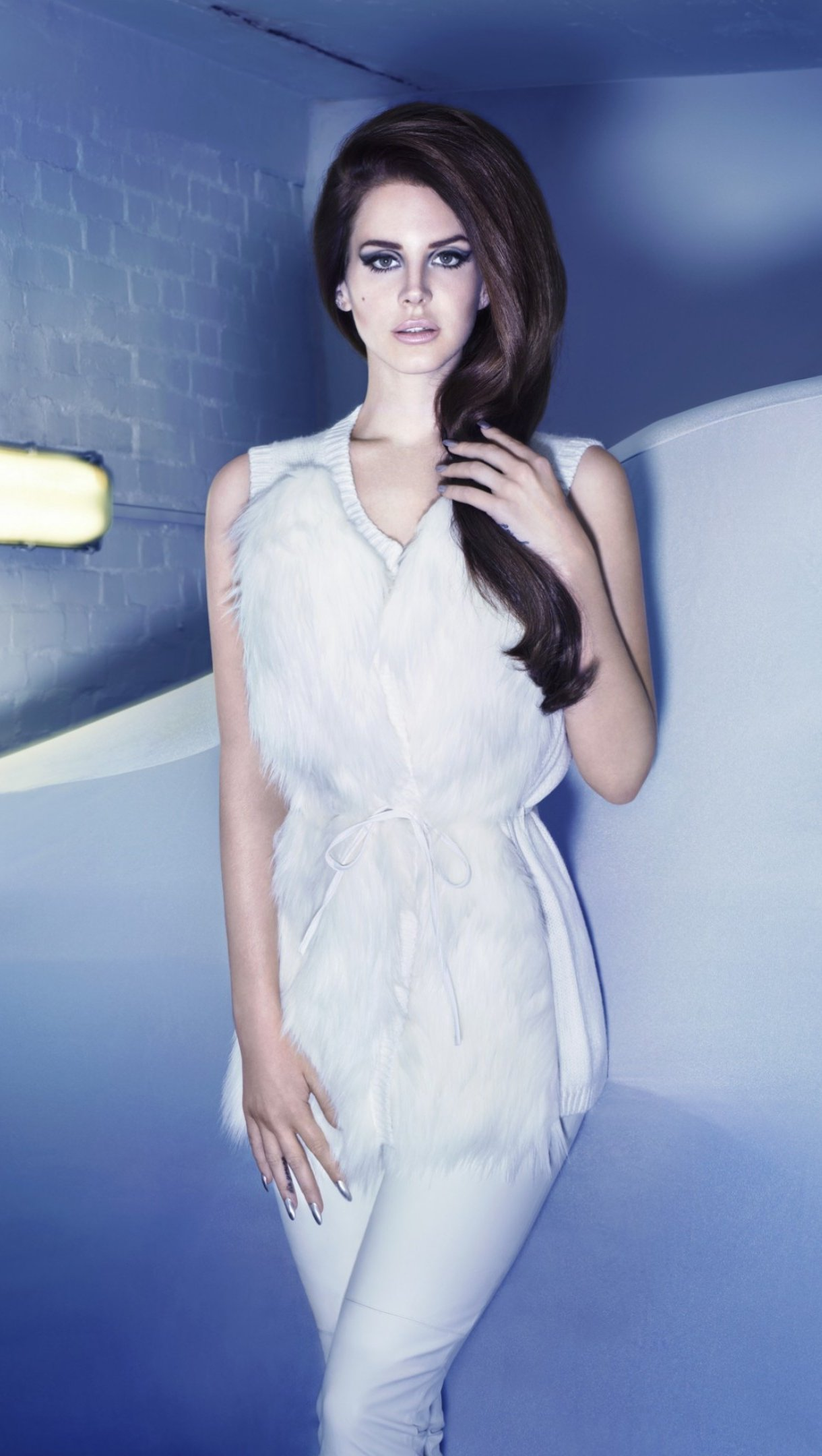 Wallpaper Lana del rey photoshoot Vertical