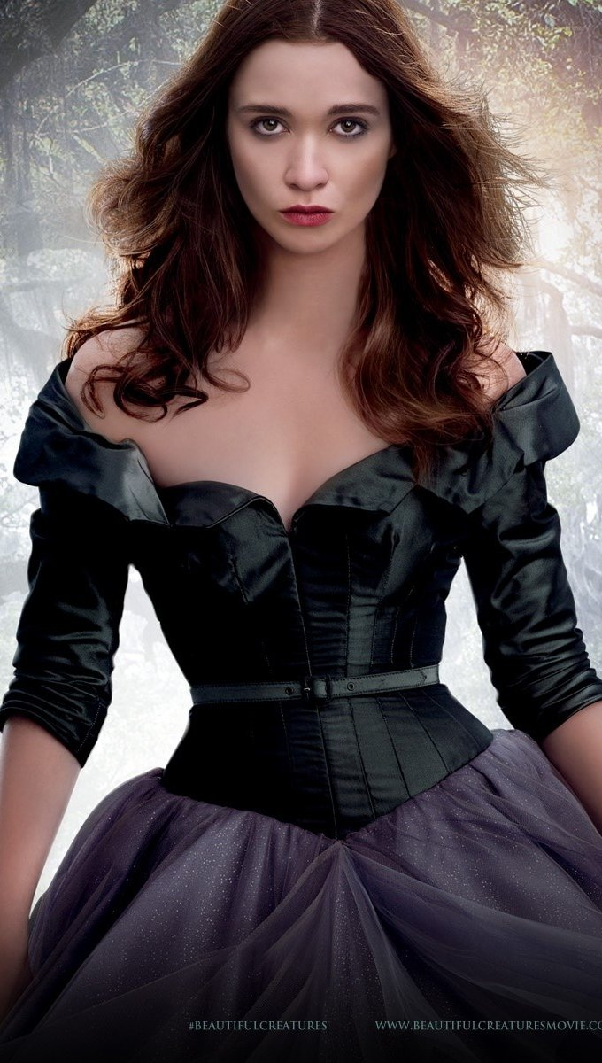 Wallpaper Lena Duchannes in Beautiful Creatures Vertical