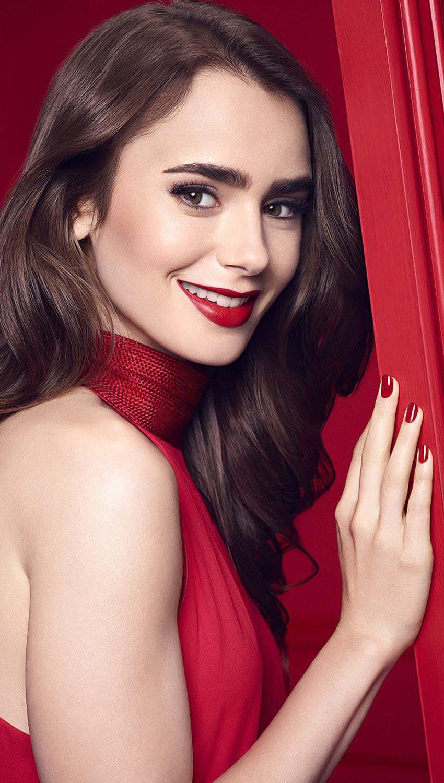 Fondos de pantalla Lily Collins en vestido rojo Vertical